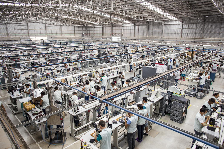 Setor calçadista assegura ao Governo que manterá empregos durante quarentena