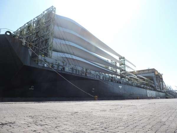Porto do Pecém supera as 1000 pás eólicas movimentadas em 2021